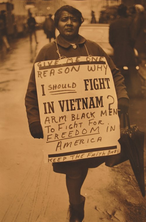 http://gregcookland.com/journal/uploaded_images/picHendersonAntiVietnamWarSeriesNY68-764515.jpg