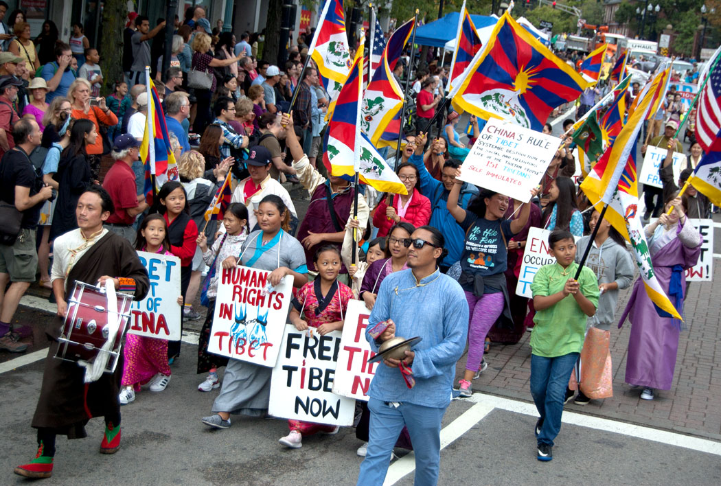 The Free Tibet group in the Honk Parade, Sept. 8, 2017. (Greg Cook)
