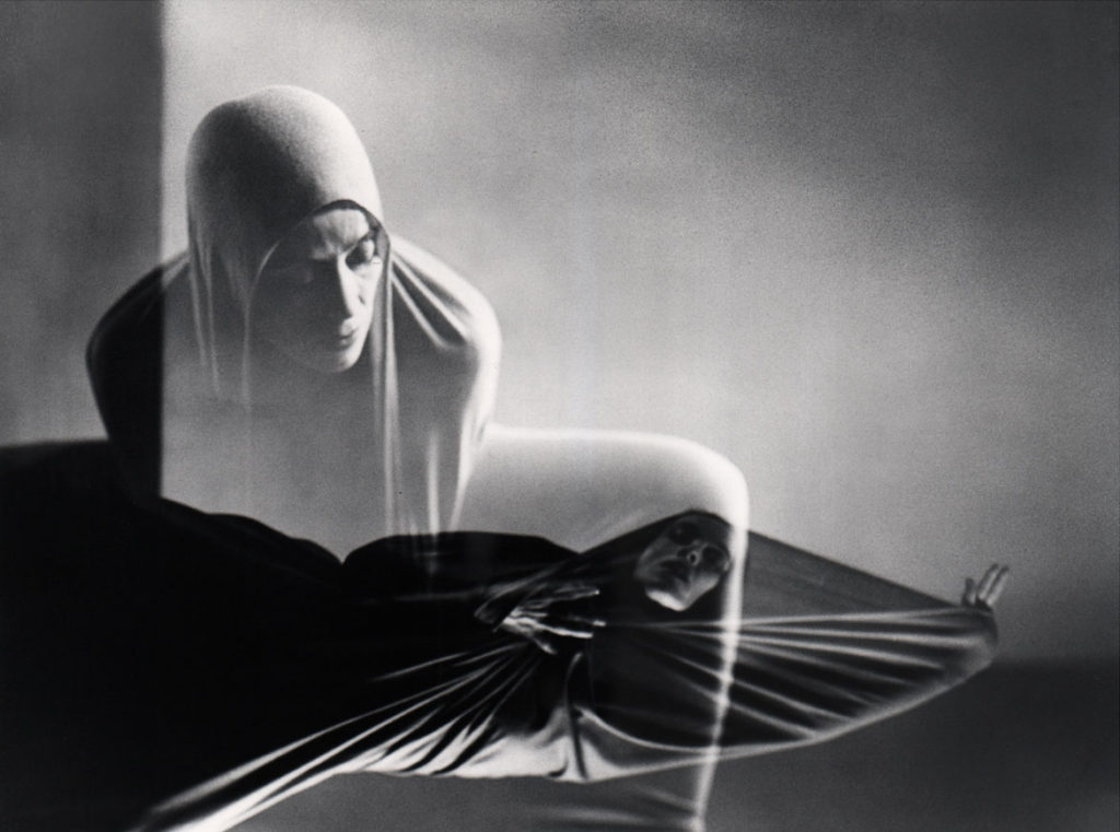 "Barbara Morgan, 'Lamentation,"" 1935, gelatin silver print, 12 7/8 x 17 ¼ inches. (Courtesy of the Syracuse University Art Collection)"