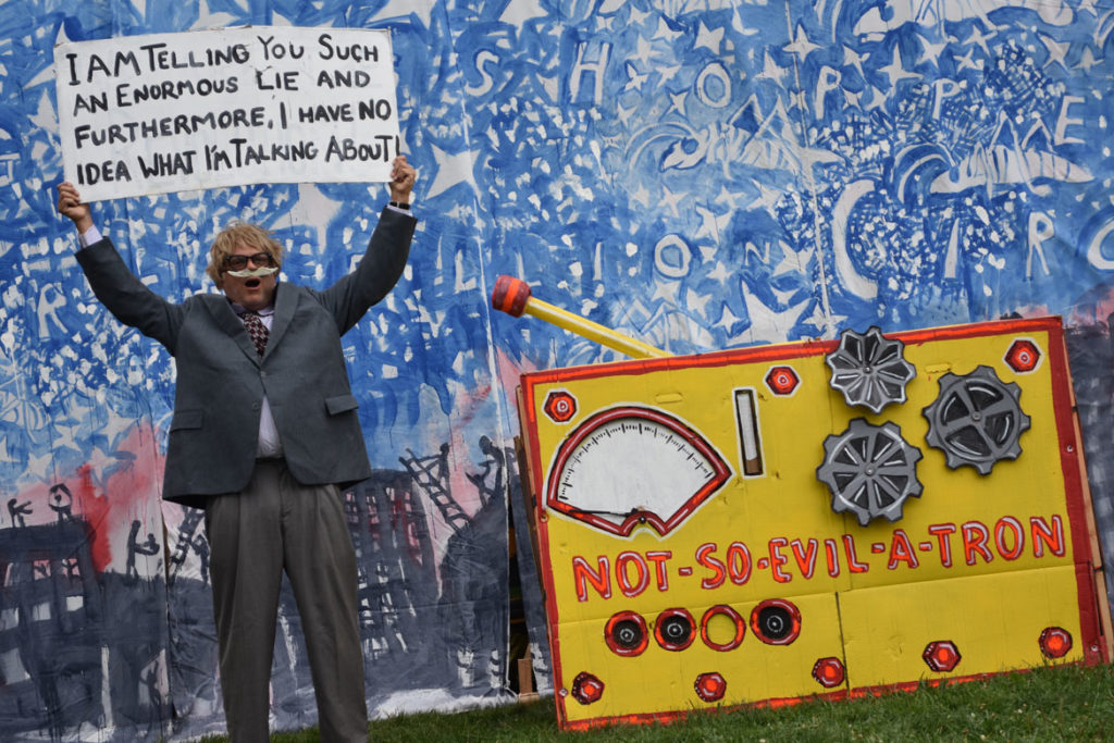 "Bread and Puppet Theater's ""Grasshopper Rebellion Circus"" at Cambridge Common, Sept. 8, 2018. (Greg Cook)"