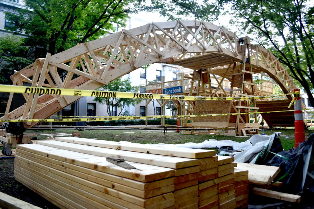 The temporary bridge spanning the courtyard of Massachusetts Institute of Technology's East Campus residence hall, Cambridge, Aug. 28, 2018. (Greg Cook)