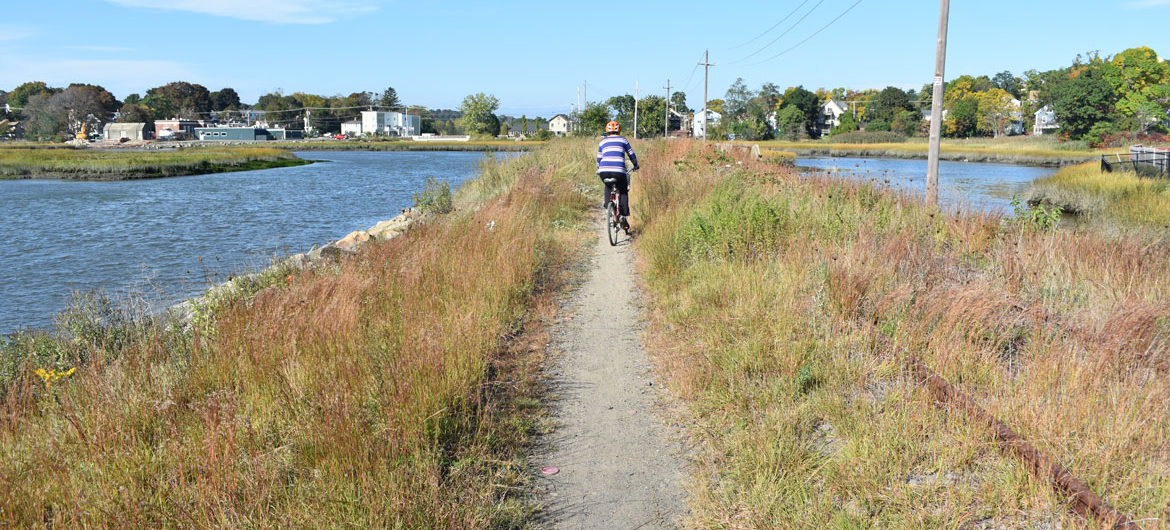 Northern Strand Bike Trail between Lincoln Avenue and Summer Street in Lynn, Massachusetts, Oct. 10, 2018. (Greg Cook)