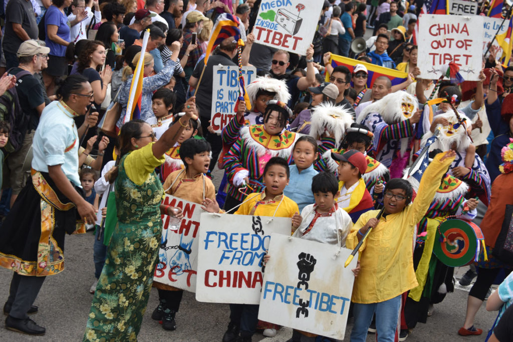 Free Tibet group in the Honk Parade, Oct. 7, 2018. (Greg Cook)