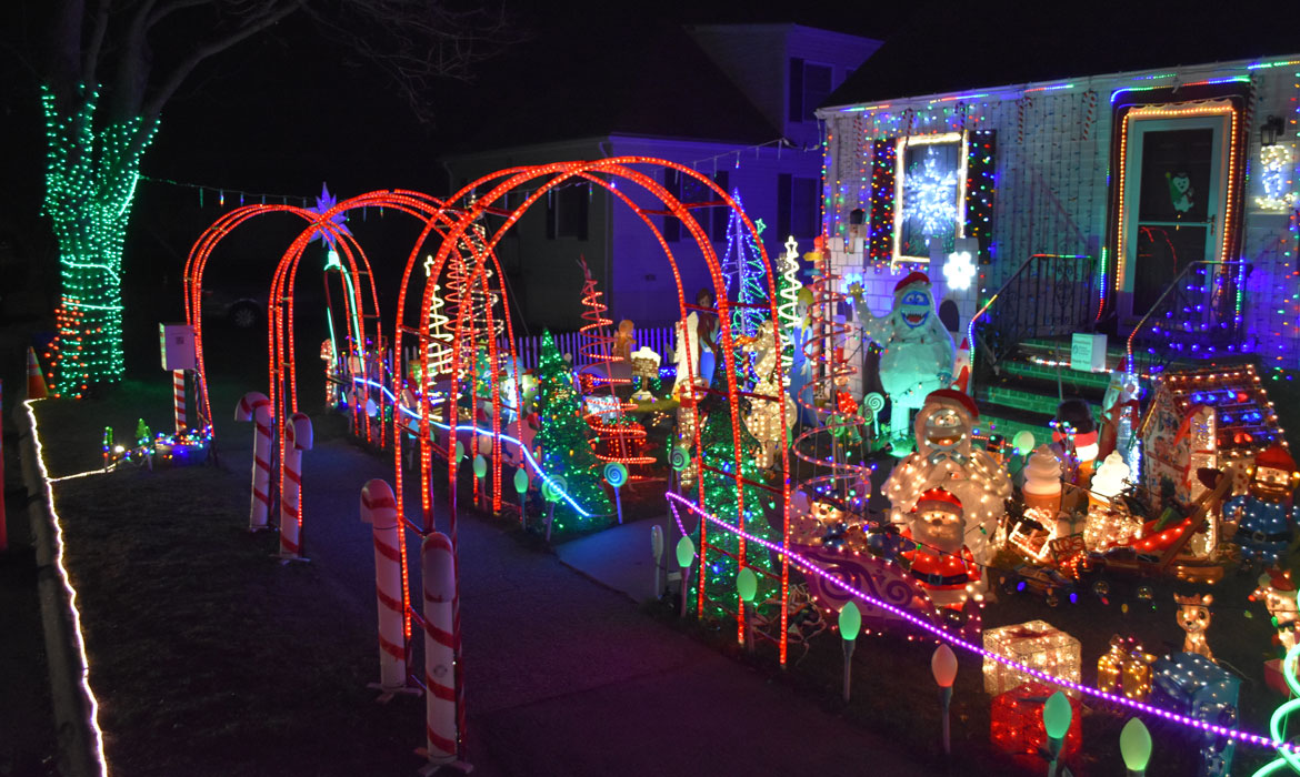 The Best Christmas Decorations (And A