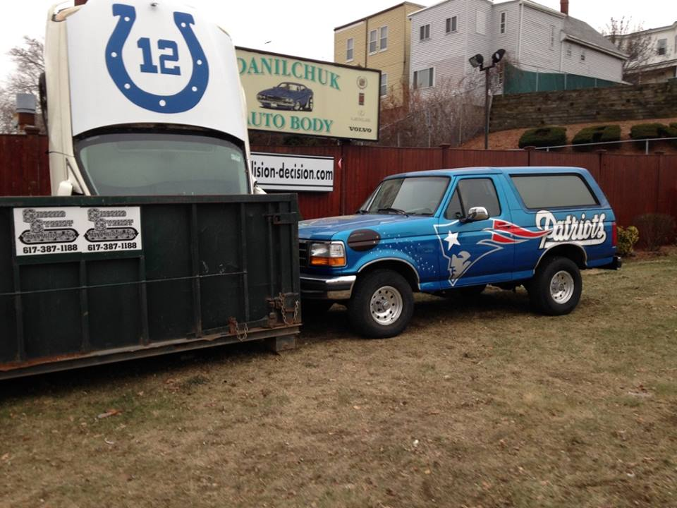 Danilchuk Auto Body's 2015 Patriots versus Colts display. (Courtesy)