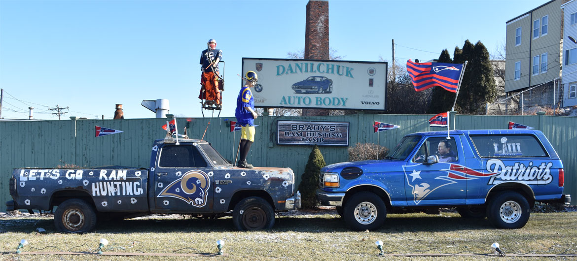 Danilchuk Auto Body's Patriots versus Rams display, Jan. 30, 2019. (Greg Cook)