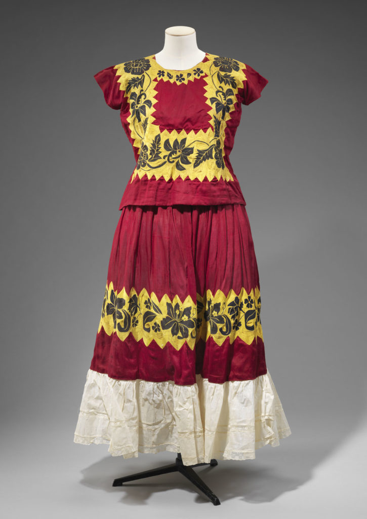 Tehuana dress made in Tehuantepec, Oaxaca (top and skirt), 1930s-1940s, cotton, hand-embroidered with a chain-stitch needle or crochet hook. (Courtesy, Museum of Fine Arts, Boston)