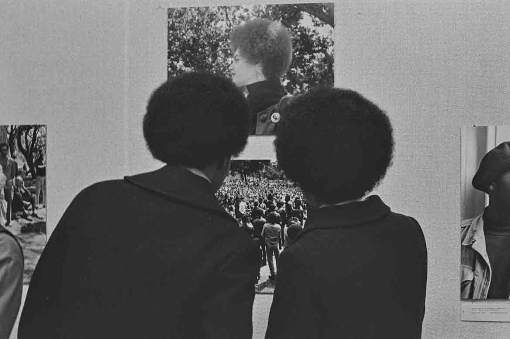 "Pirkle Jones, ""Crowds viewing 'The Black Panthers: A Photographic Essay' exhibition at the de Young Museum,"" Jan. 12, 1969. (Courtesy University of California, Santa Cruz)"