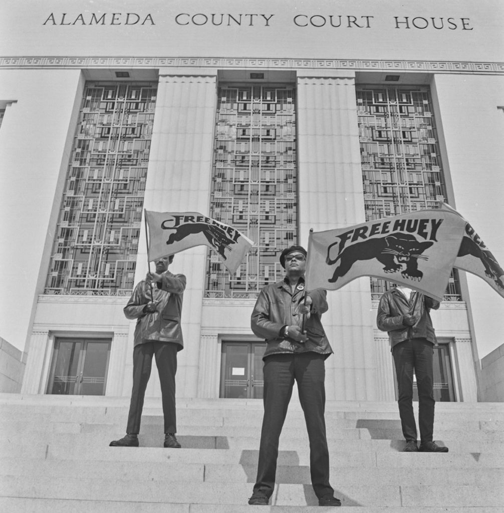 "Pirkle Jones, ""Free Huey demonstration at Alameda County Court House during Huey Newton trial,"" July 30, 1968. (Courtesy University of California, Santa Cruz)"
