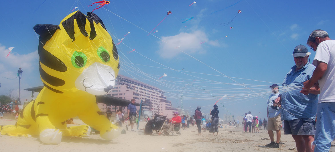 Revere Beach Kite Festival, May 17, 2015. (Greg Cook)