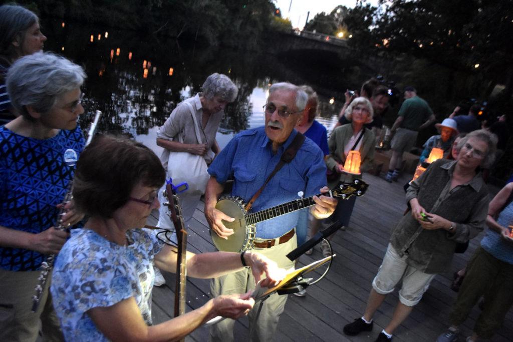 Singing during the Remembering Hiroshima and Nagasaki Vigil in Watertown Square, Aug. 4, 2019. (Greg Cook)