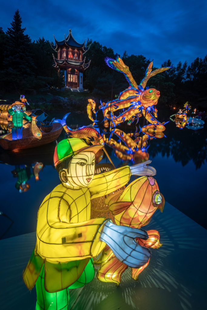 """Gardens of Light"" illuminates the Chinese Garden at the Jardin Botanique de Montréal, September 2019. (© Espace pour la vie / Claude Lafond)"
