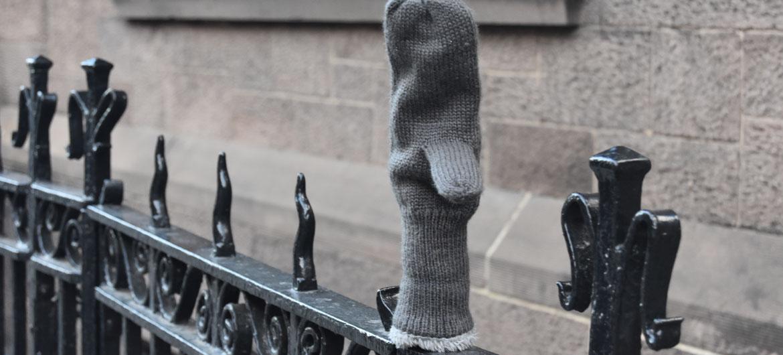 Lost mitten, Chelsea, New York City, Dec. 5, 2019. (Greg Cook photo)