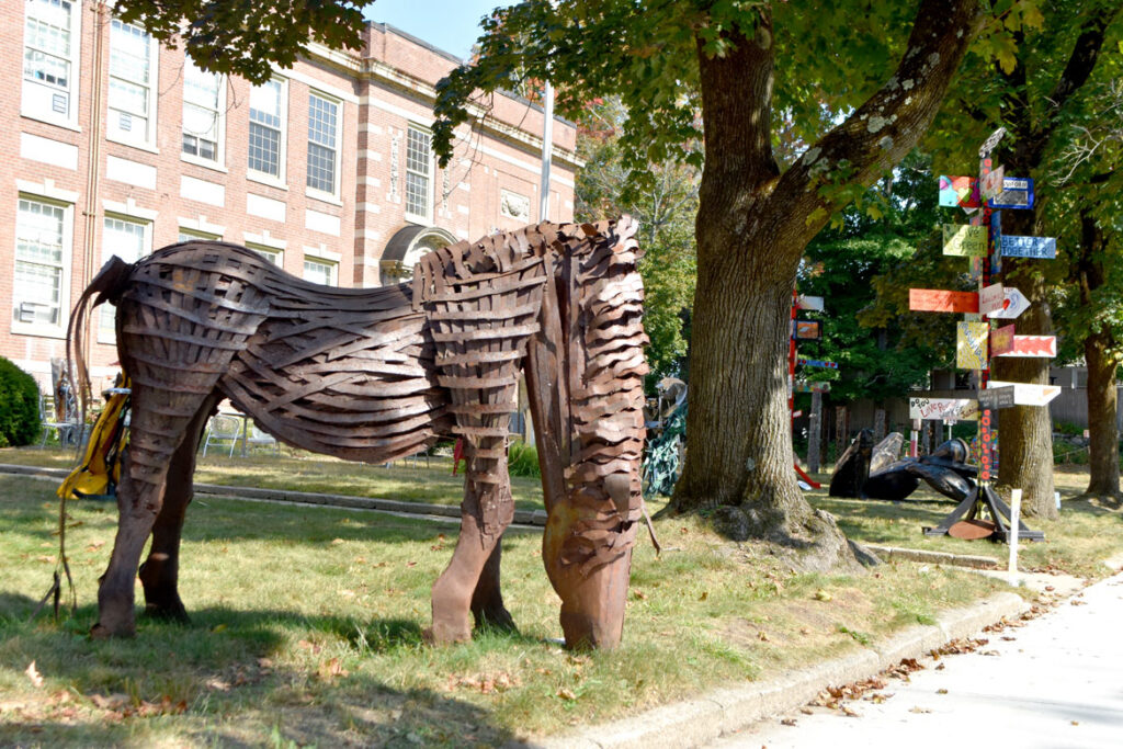 """""""Grazing Horse"""" by an unknown artist in """"Metal-ity"""" at ArtSpace Maynard, Sept. 25, 2020. (© Greg Cook photo)"""