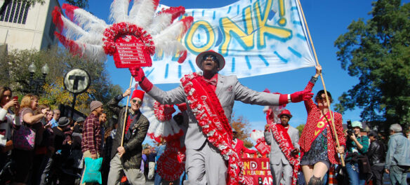 Honk parade, October 2015. (© Greg Cook photo)