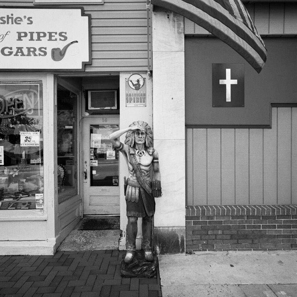 Bill Franson, American Spirit, Waynesboro, PA, 2016. (Courtesy Gallery Kayafas)