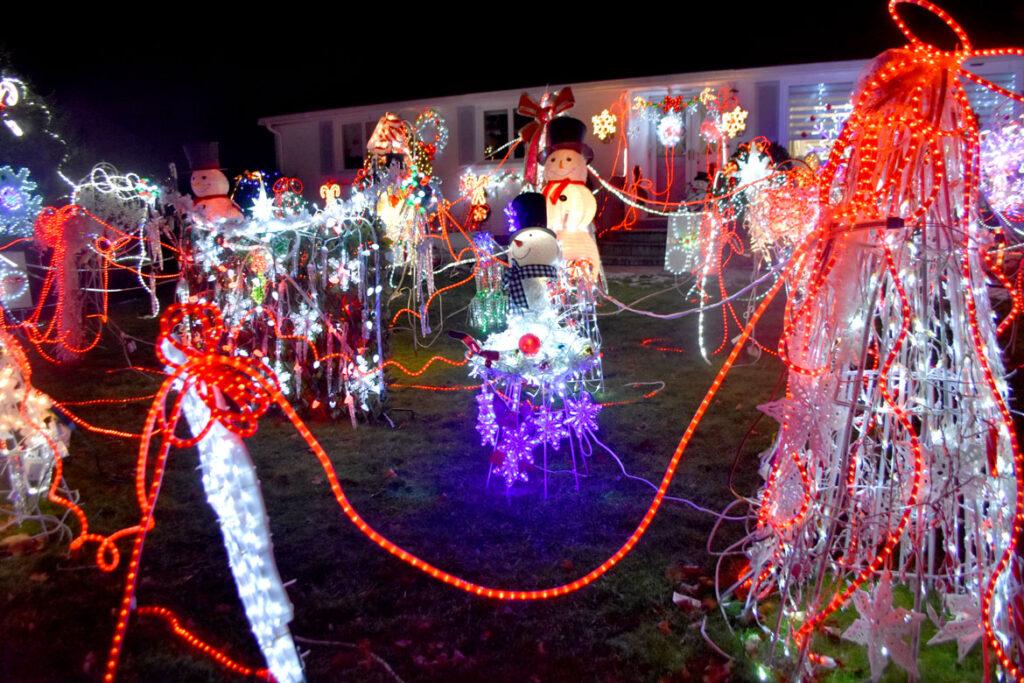 Christmas lights at 5 Laurine Road, Saugus. 2020. (©Greg Cook photo)