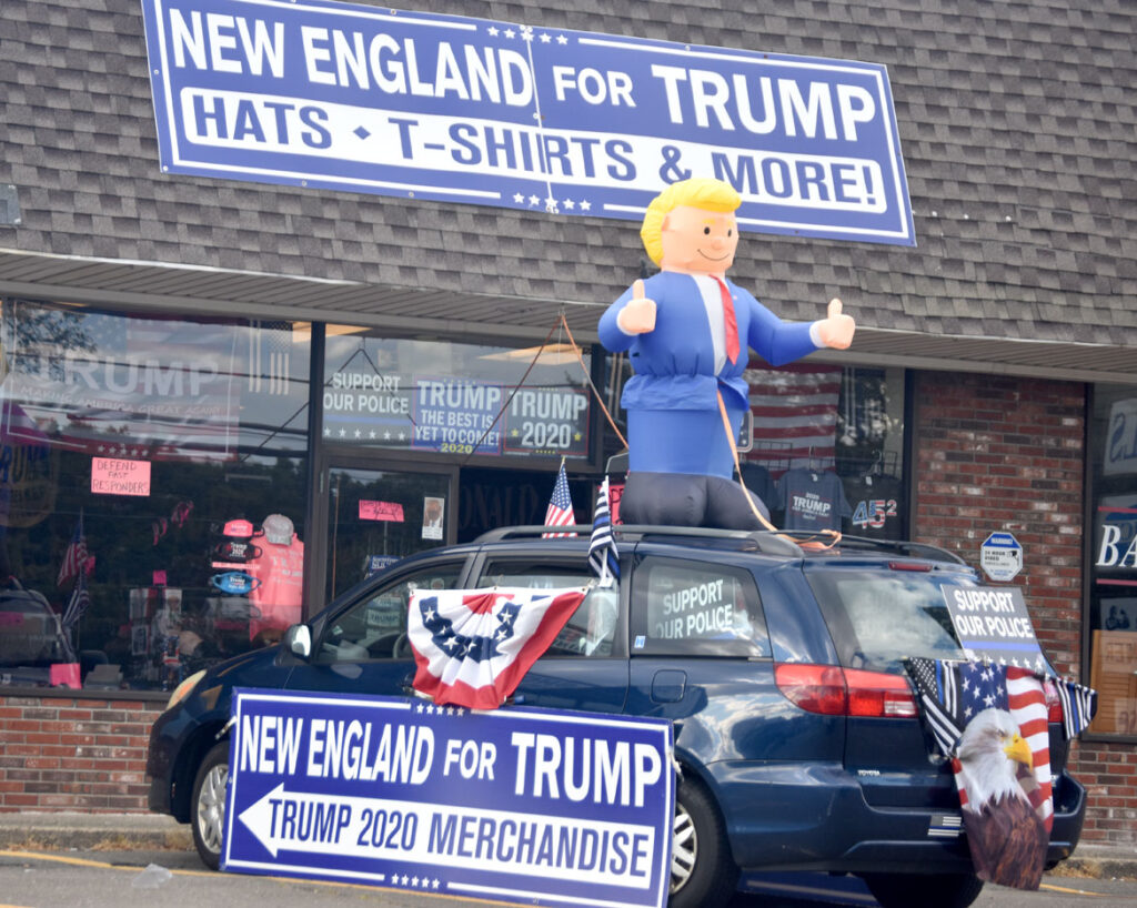 New England for Trump Store on Route 1, Peabody, Oct. 3, 2020. (©Greg Cook photo)