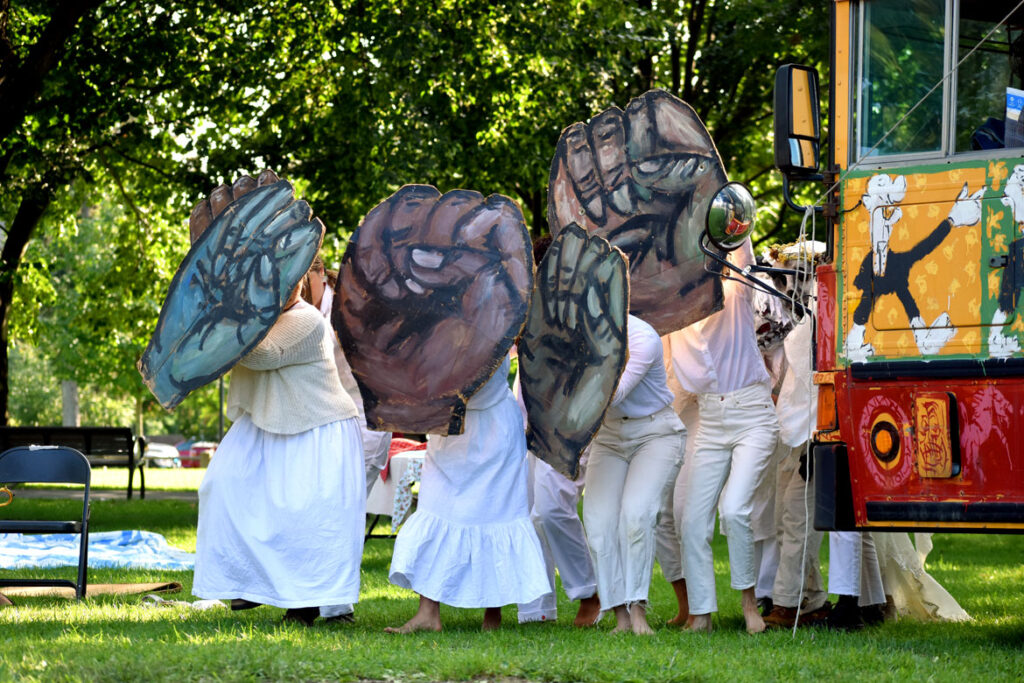 """Bread and Puppet Theater's """"Circus"""" at Cambridge Common, Sept. 4, 2021. (©Greg Cook photo)"""