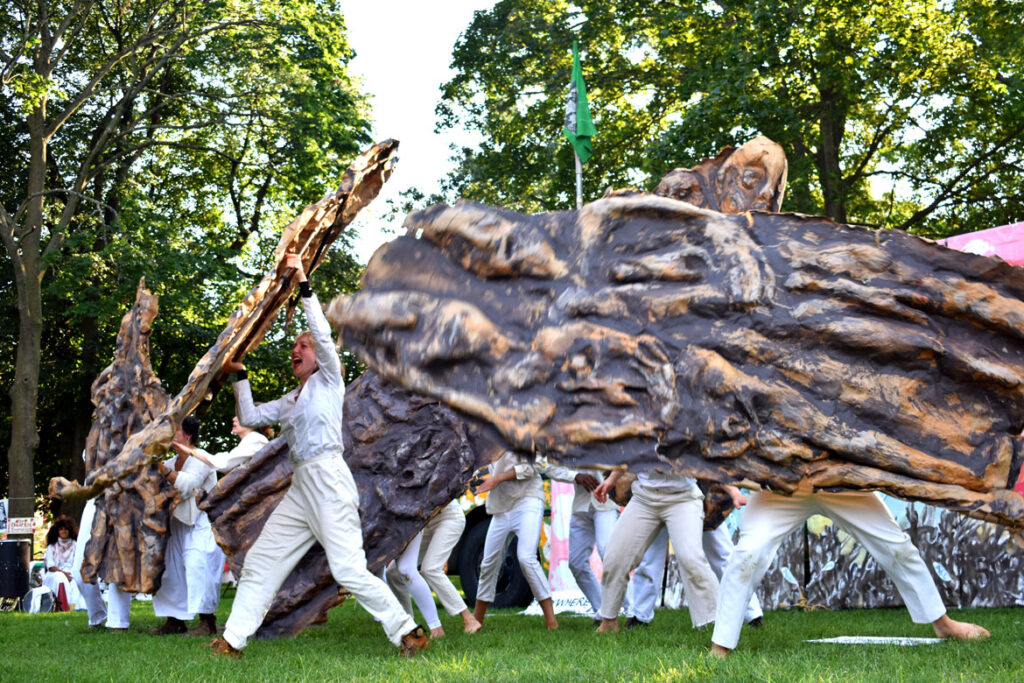 Bread and Puppet Theater's pageant performed at Cambridge Common, Sept. 4, 2021. (©Greg Cook photo)